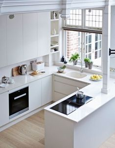 Small Apartment Kitchen - When doing a small kitchen design to get an apartment, possibly a corridor kitchen design or a line design design will be far better maximize the workflow. Small Apartment Kitchen, Home Decor Kitchen, Country Kitchen, Kitchen Interior, New Kitchen, Kitchen Ideas, Kitchen Small, Kitchen Modern, Kitchen Stove