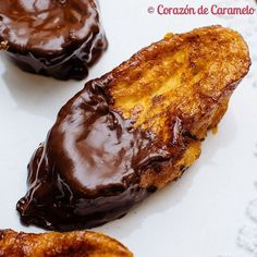 Torrijas de Naranja y Chocolate Mexican Food Recipes, Sweet Recipes, Spanish Dishes, Spanish Desserts, Delicious Deserts, Christmas Dishes, Christmas Foods, Christmas Trees, Bakery Recipes
