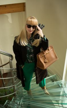 silk blouse Rena Lange, coat (wool) Stefanel embellished with mink fur thanks to my furrier inspired by Brioni, gloves Lamarthe, green pants (thick virgin wool) Made by ankle boots Sergio Rossi, purse Hermès Birkin in gold colour with GHW Gold Pants, Green Pants, Gold Colour, Mink Fur, Sergio Rossi, Hermes Birkin, Green Colors, Cool Style, Gloves