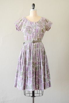 vintage 1960s muted lavender paisley pleat day dress