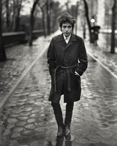 Bob Dylan photographed by Richard Avedon. Central Park, New York, 1965