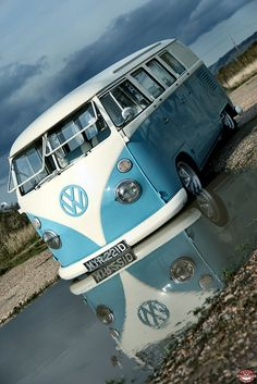 A picture of a Volkswagen a day. Feel free to submit your pics! Volkswagen Transporter, Volkswagen Bus, Transporter T3, Vw T1, Volkswagen Beetles, Kombi Trailer, Vw Caravan, Bus Camper, Honda Shadow