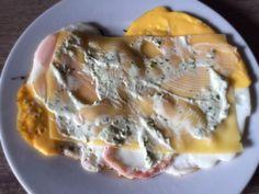 Koolhydraatarme recepten: Ei met kaas, bacon en heksenkaas