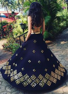 Skirt/ get a very refreshing look with our latest collection.Style and trend will be at the peak of your beauty when you drape this lehenga collection. Indian Attire, Indian Wear, India Fashion, Asian Fashion, Moda India, Desi Clothes, Indian Clothes, Lehenga Designs, Indian Couture