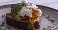 Αυγά ποσέ από τον Άκη Πετρετζίκη. Μπορείτε να τα φτιάξετε με δύο διαφορετικούς και εύκολους τρόπους για το πρωινό σας και για να συνοδεύσουν τη σαλάτα σας!!