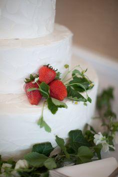strawberry wedding cake, Photography by meredithperdue.com, Floral by negardens.com/)
