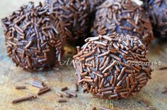 Tartufi nutella e mascarpone ricetta facile, praline dolci ricoperte, brigadeiro al cioccolato, dolcetti veloci, feste di compleanno, buffet, finger food
