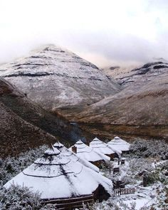 Maliba Mountain Lodge, Tsehlanyane National Park, Lesotho: in winter. Places Around The World, Around The Worlds, African Holidays, World Travel Guide, Africa Travel, Holiday Destinations, Ciel, Continents, Where To Go