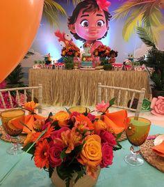 """33 curtidas, 1 comentários - Grazielasanchesaz (@grazielasanchesaz) no Instagram: """"About 2day , #moanaparty"""" Moana Theme Birthday, Moana Themed Party, Moana Party, Girl Birthday, Birthday Ideas, Birthday Parties, Moana Backdrop, Moana Centerpieces, Moana Bebe"""
