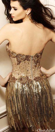 Glamorous details at Badgley Mischka High Fashion Dresses, Short Dresses, Glitter Make Up, Vogue, Bronze, Gold Fashion, Fashion Fashion, Beautiful Gowns, Gorgeous Dress