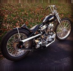 Harley Davidson Bike Pics is where you will find the best bike pics of Harley Davidson bikes from around the world. Harley Davidson Knucklehead, Harley Bobber, Chopper Motorcycle, Bobber Chopper, Harley Davidson Motorcycles, Motorcycle Garage, Hd Vintage, Vintage Bikes, Vintage Motorcycles