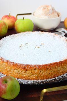 Mutakakku Bakewell Tart, Sweet Bakery, Piece Of Cakes, Sweet And Salty, Desert Recipes, Yummy Cakes, How To Make Cake, Yummy Treats, Cake Recipes
