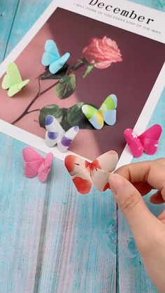 Mariposas de papel - manualidades de mariposas - DIY de mariposas - You are in the right place about diy Here we offer you the most beautiful pictures about the diy - Diy Home Crafts, Diy Arts And Crafts, Creative Crafts, Crafts For Kids, Diy Crafts With Paper, Diy Crafts Room Decor, Clothespin Crafts, Rustic Crafts, Creative Artwork