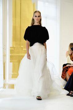 Pin for Later: Régalez la Modeuse Qui Est en Vous Avec les Looks les Plus Extravagants de la Semaine de la Haute Couture Christian Dior