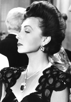 Agnes Moorehead in Government Girl, 1943
