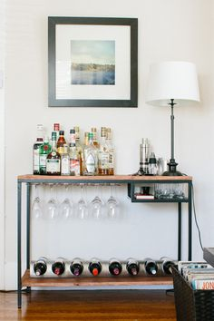 39 ideas for apartment diy bar ikea hacks Ikea Bar Cart, Diy Bar Cart, Bar Cart Decor, Bar Carts, Bar Trolley, Mini Bars, Ikea Hacks, Desk Hacks, Bar Portable