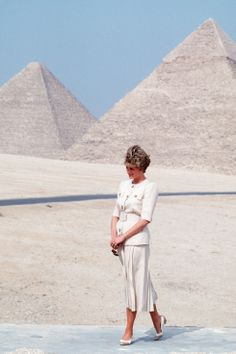 Diana in Egypt in a white linen belted day suit