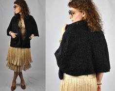 Curly Lamb Wool Cape Capelet Stole 40s 50s Mid by LaDeaDeiSogni