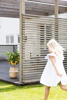 Gjør terrassen klar for sesongen – Jotun e-magasin Prepare the terrace for the season – Jotun e-magazine This image has. Garden Types, Diy Garden, Terrace Garden, Terrace Ideas, Backyard Patio Designs, Backyard Landscaping, Patio Decks, Back Gardens, Outdoor Gardens