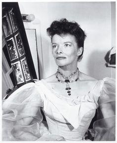 16 icônes et leurs joailliers stars hollywoodiennes bijoux Katherine Hepburn Harry Winston