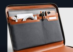 Tech support never looked so good. The Tech Folio organizes your laptop, tablet, phone, cables & more into an elegant, zip leather folder. Best Laptop Backpack, Laptop Bags, Mochila Jansport, Laptop Storage, Laptop Organizer, Laptop Screen Repair, Leather Folder, Latest Laptop, Laptops For Sale