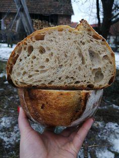 Někdy máte chuť na bílé pečivo nebo Vás k tomu dožene akutní zdravotní stav. Tady je recept na nejzákladnější bílý chléb obohacený alespoň o špaldu a vařenou bramboru. Bread Recipes, Food And Drink, Pizza, Cooking, Stav, Breads, Kitchen, Blog, Archive