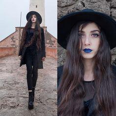 Lipstick Style, Dark Lipstick, Kat Von D, Get Dressed, New Fashion, What To Wear, Goth, Dresses For Work, Street Style