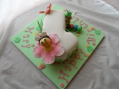 Cute bug cake