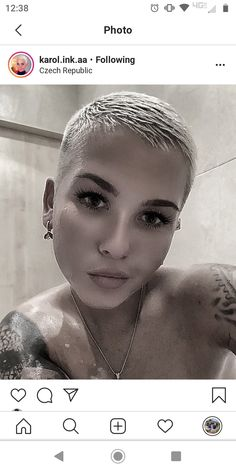 There is Somthing special about women with Short hair styles. I'm a big fan of Pixie cuts and buzzed. Superkurzer Pixie, Short Blonde Pixie, Funky Short Hair, Edgy Hair, Short Pixie Haircuts, Girl Short Hair, Short Hair Styles, Really Short Haircuts, Buzz Cut Hairstyles