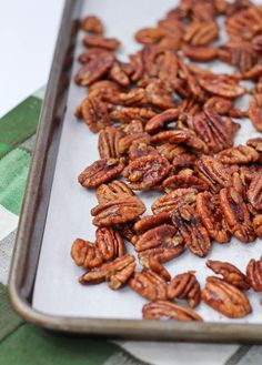 Some of the best spiced pecans you'll ever taste! This spiced pecan recipe is a keeper. Spiced Pecans, Roasted Pecans, Honey Glazed Pecans Recipe, Nut Recipes, Cooking Recipes, Smoker Recipes, Milk Recipes, Cooking Tips, Healthy Snacks