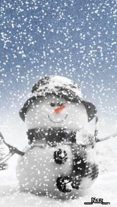 The perfect Snowman Snow Christmas Animated GIF for your conversation. Christmas Scenes, Christmas Love, Christmas Images, Christmas Snowman, Winter Christmas, Vintage Christmas, Christmas Crafts, Merry Christmas, Christmas Decorations