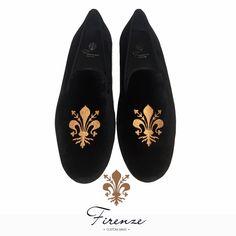 Slipper i sammet Firenze shoes Black Velvet, Slippers, Loafers, Flats, Shoes, Fashion, Travel Shoes, Loafers & Slip Ons, Moda