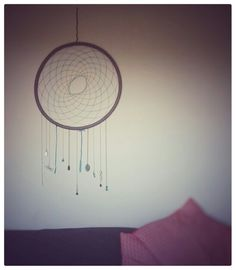 Diy dreamcatcher from a hola hoop