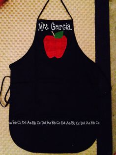 Chalkboard theme teacher apron with burlap apple. Great teacher gift.