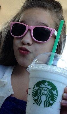 Starbucks runs for Mackenzie Mackenzie Ziegler, Maddie And Mackenzie, Maddie Ziegler, Dance Moms Chloe, Dance Moms Dancers, Dance Moms Girls, Mom Selfies, Snapchat Selfies, Mack Z