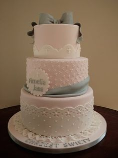 grey and pink baby shower cake | Source: http://cake2cake.blogspot.com/2010/06/amelias-cake.html