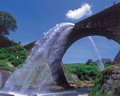 そこから水出ちゃうの?熊本の「通潤橋」が意外なトコから放水しちゃうと話題に - Find Travel