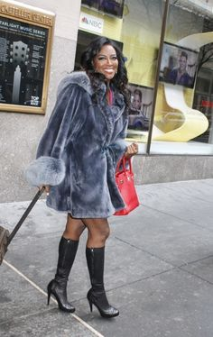 Kenya Moore was all smiles leaving the NBC studios earlier today in NYC!