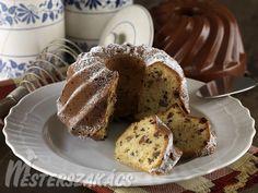 Deák-kuglóf elkészítése: A mazsolát langyos vízbe áztatjuk. A tejet meglangyosítjuk, az élesztőt belemorzsoljuk. 1 evőkanálnyi lisztet is belekeverünk, meleg helyen 10... French Toast, Muffin, Cookies, Breakfast, Cake, Recipes, Food, Cooking, Crack Crackers