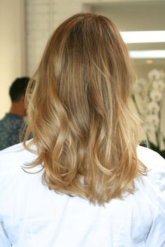 honey blonde hair color- I wonder what I would look like with my hair like this??