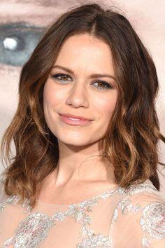 Grey's Anatomy Season 14, Bethany Joy Lenz, One Tree Hill, The Hollywood Reporter, New Face, Greys Anatomy, Brown Hair, Beauty Makeup, Fangirl