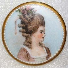 18th to 19th Century British Button. Painted Porcelain.