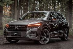 Volkswagen's Touareg TDI SUV was already capable, but ABT Sportsline has bumped up the stats to make this SUV a toy hauler you can rely on. Vw Tdi, Touareg V8, Volkswagen Touareg, Vw Toureg, Ford Mustang Wallpaper, Car Websites, Used Engines, Auto Motor Sport, Chevrolet Cruze