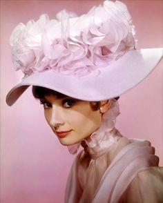 Audrey-Hepburn - Isabel Santos Pilot
