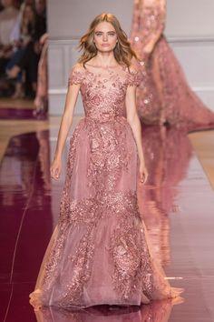 Zuhair Murad Fall 2016 Couture Fashion Show by merle Style Haute Couture, Haute Couture Paris, Haute Couture Gowns, Couture Dresses, Couture Fashion, Runway Fashion, Fashion Show, Couture Week, Paris Fashion