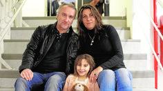 Nadia Nerea, con su familia