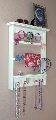 Adorable jewelry/hair stuff holder for girls. bathroom