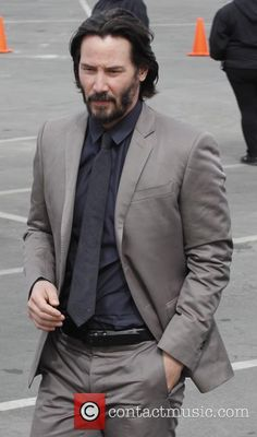 Keanu Reeves - Film Independent Spirit Awards on March 2014 in Los Angeles Keanu Reeves John Wick, Keanu Charles Reeves, Keanu Reeves Quotes, Grey Suit Men, Casting Pics, Father John, Hollywood Actor, Beautiful Men, Gorgeous Guys