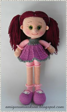 AMİGURUMİ dolls -- twist on a free pattern