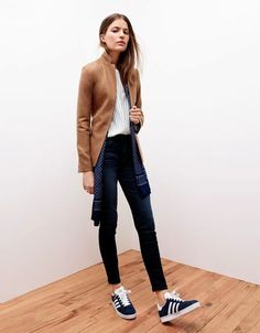 Camel Regent Blazer # Fashion Trends Of Fall Apparel Regent Blazers Blazer Camel Blazer Clothing Blazer 2014 Blazer Outfits Blazer How To Style Fashion Mode, Look Fashion, Womens Fashion, Fashion Trends, Fashion Black, Fashion Fall, Fashion 2017, Fashion Photo, Fashion Online